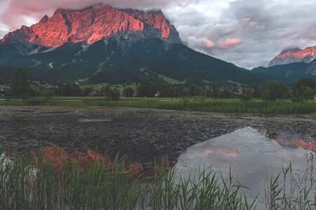 Fw Tirol/Terrasse mit Zugspitzpanorama/Rad+Wander