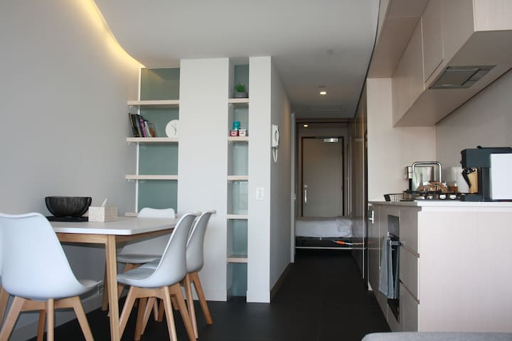 Canberra Luxury Apartment 10