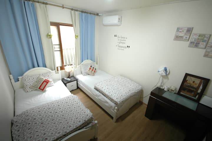 Apple Tree Guesthouse(Twin)