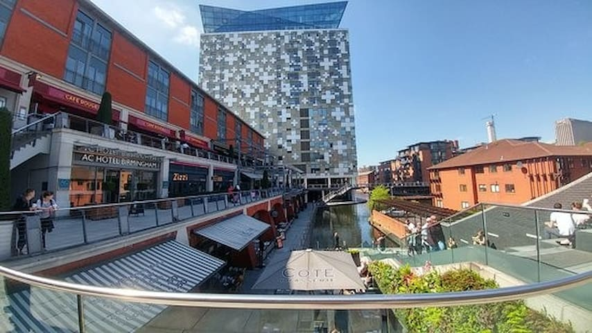 Ultra Central 2 bed Flat/The Mailbox/The Cube