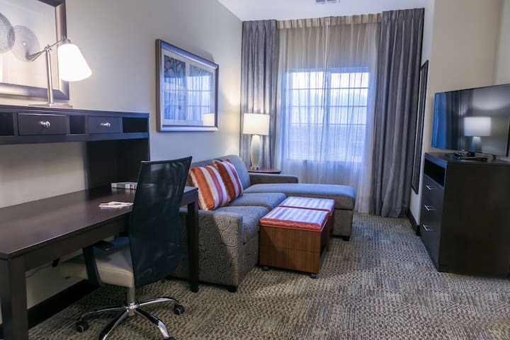 Close to University of Texas | Free Breakfast + 24 Hour Business Center + Heated Pool