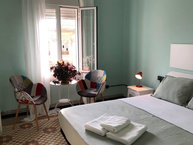Light and cozy room close to ruzafa. Free wifi.