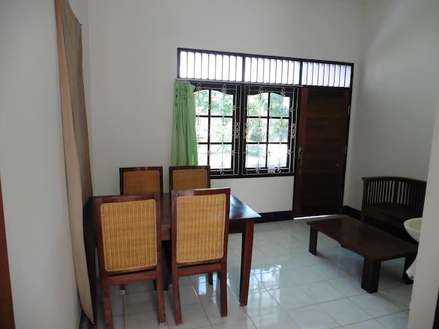 Bedroom in Senggigi - Batu Layar - Huis