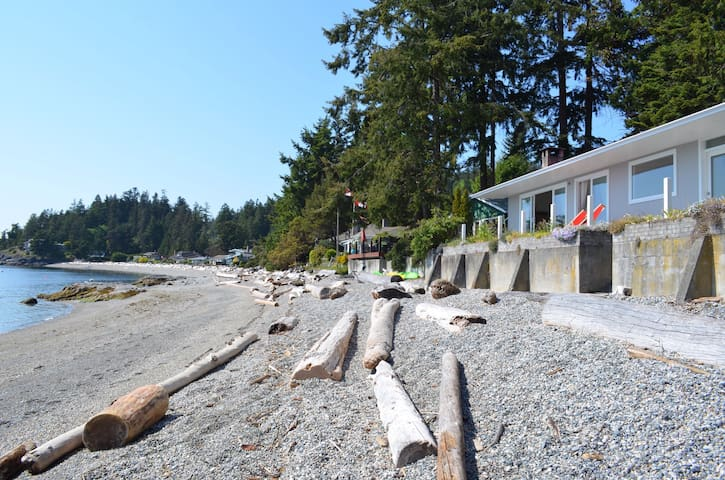 Beachfront  house in Sechelt - Sechelt - House