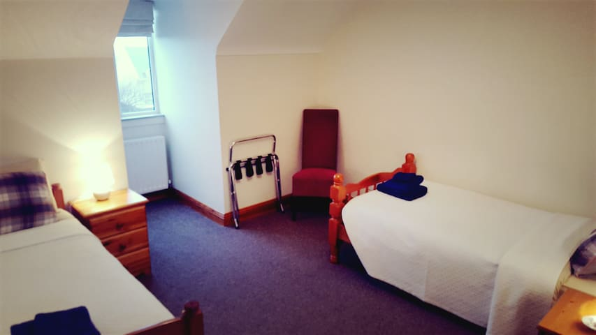 Room 5 Two single beds