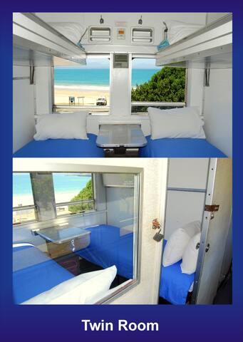 Twin Train Compartment - Mossel Bay - Bed & Breakfast