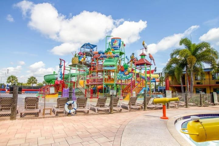 BY UNIVERSAL! 3 UNITS, ON-SITE WATERPARK, SHUTTLE