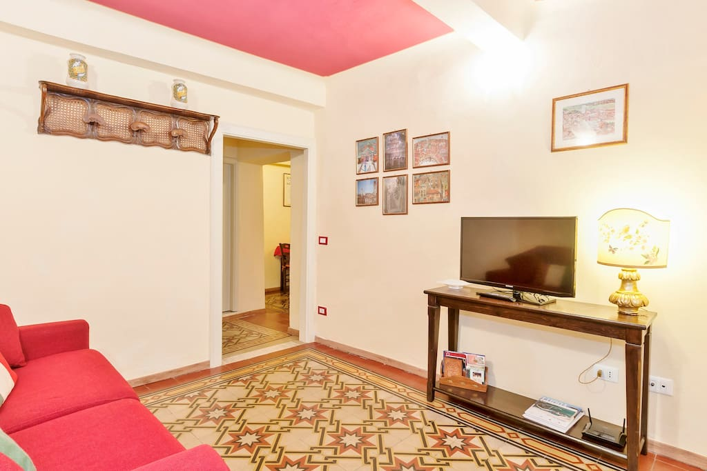 Palazzo della Stufa -apartments for rent in the historical center of Lucca - free wifi