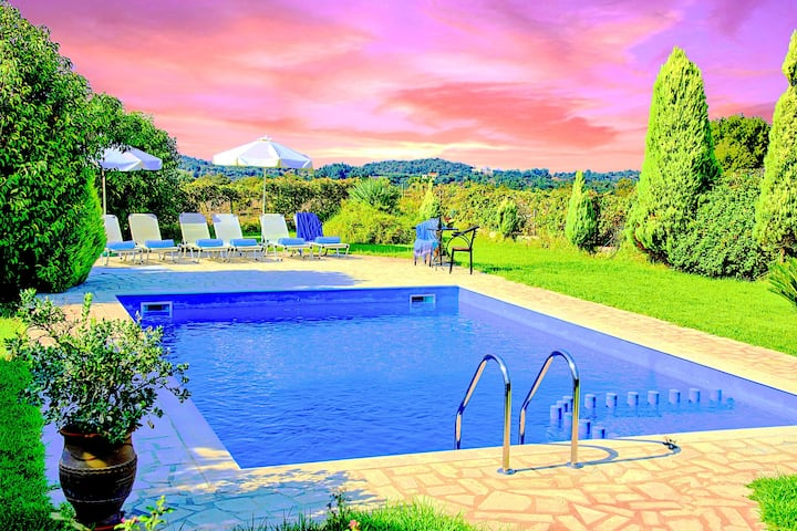 Villa Vamos Private Swimming Pool