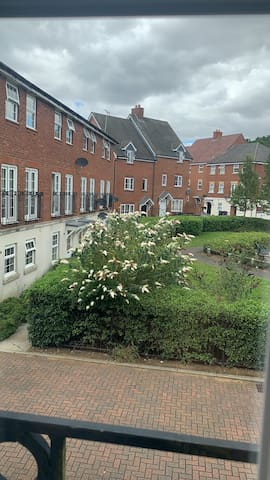 1 double room in quite great Ashby area