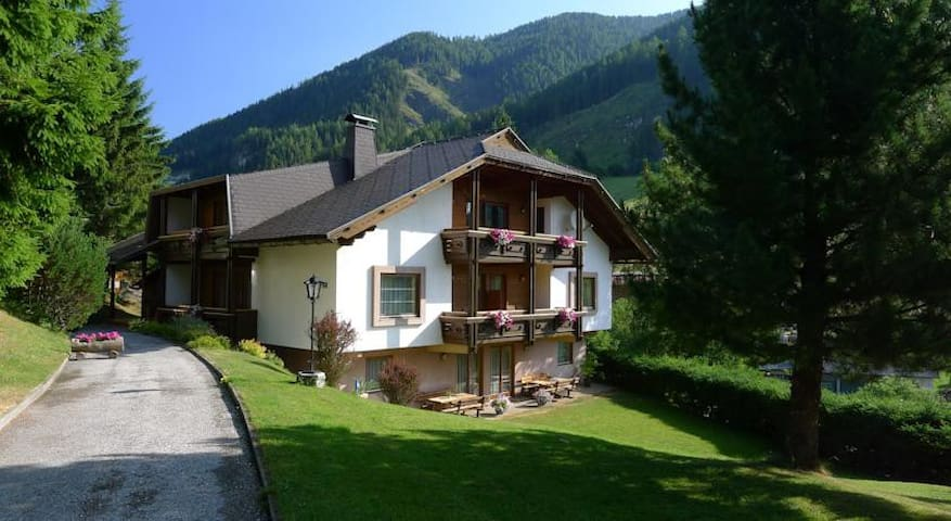 Stunning view & only 150m to ski-lift! - Bad Kleinkirchheim - Apartemen