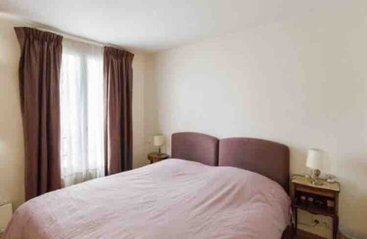 Lovely room in the heart of Paris
