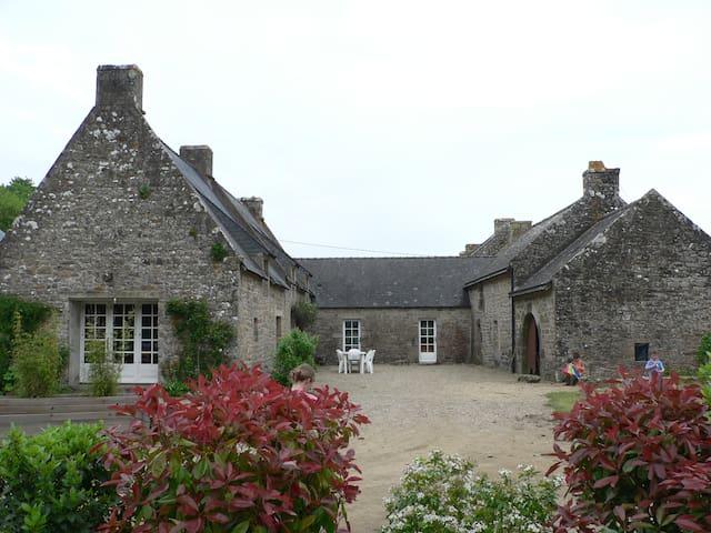 2 Maisons bretonnes mitoyennes 16 lits 10 adu max - Crac'h - Huis
