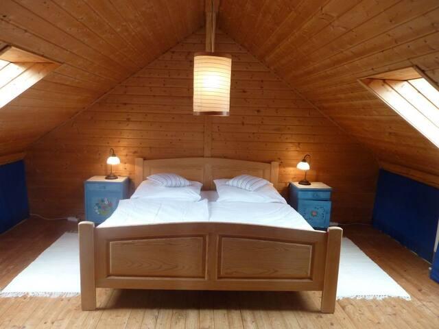 Doppelbettzimmer oben