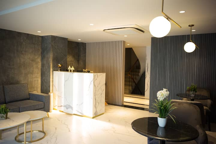 LUXURY one bedroom CONDO  in the heart of Hanoi