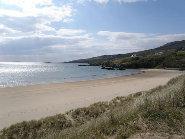 2 bed beach house Wild Atlantic Way - Fintra - House