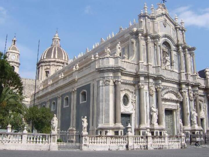 Casa indipendente centro storico 500 mt dal Duomo.