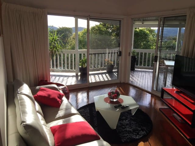 Luxury Inner City 2 bdr house with late checkout - Red Hill - Hus