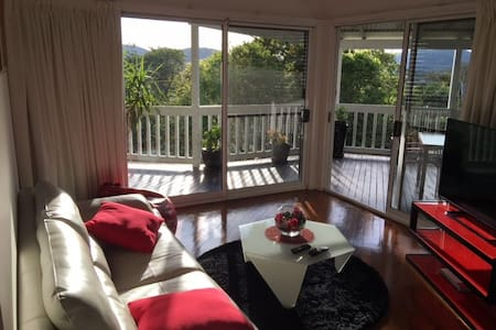 Luxury Inner City 2 bdr house with late checkout - Red Hill - Dom