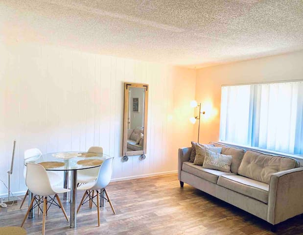 1 bdrm apartment 10 minutes away from theme parks