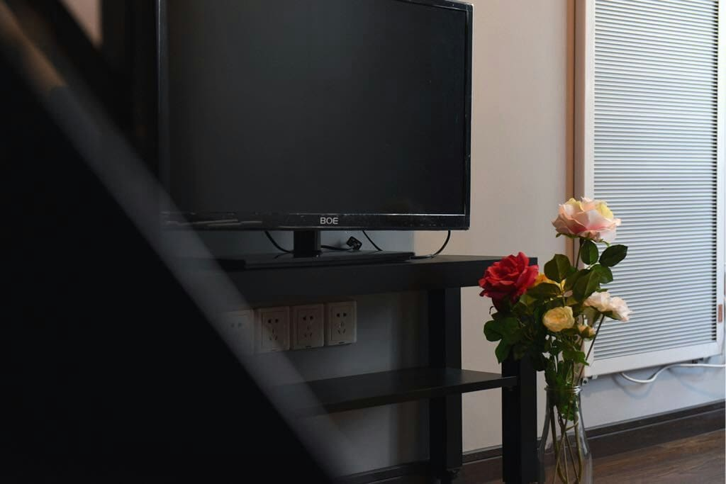 TV with satellite TV channels, over 200 channels including BBC, HBO, movies, etc