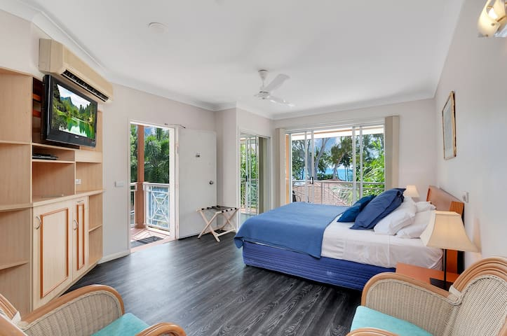 This gorgeous bedroom is in a separate wing on its own for privacy, luxury and stunning views. It also has a separate exit and quick access to the resort spa and pool.