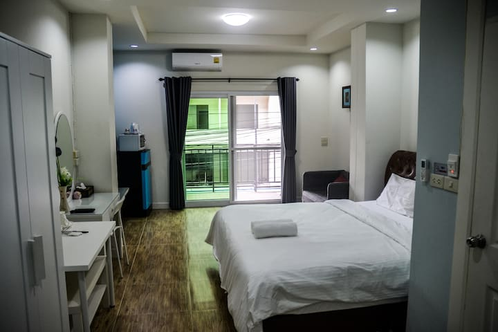 Anna Residence Superior Room with Balcony
