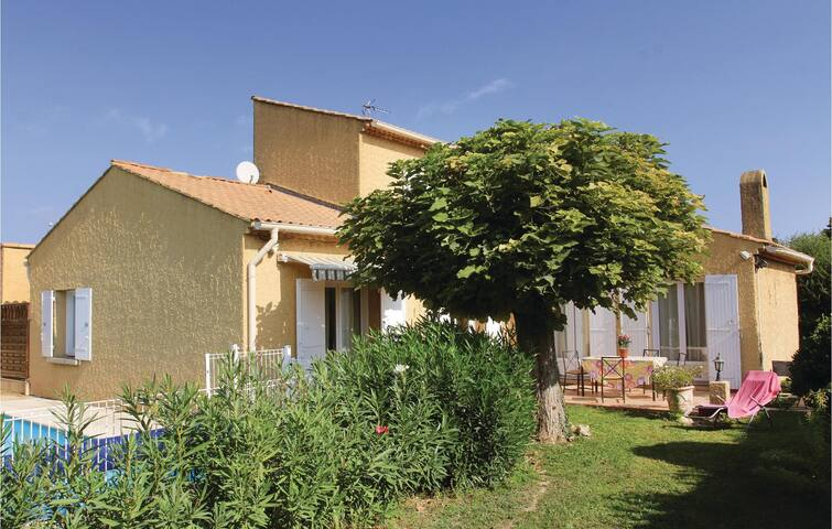 Holiday cottage with 3 bedrooms on 120 m² in Les Angles