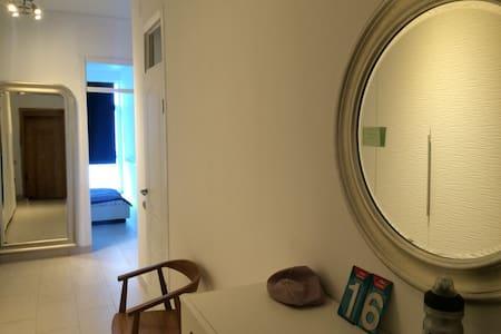 3-х комнатная кв. на берегу моря - Sochi