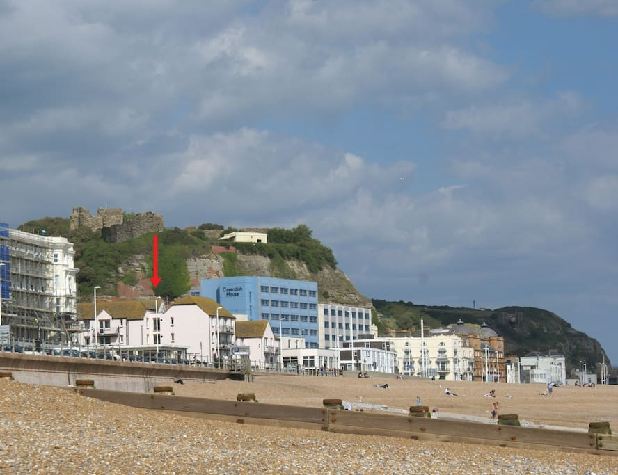 The flat is located below Hastings Castle