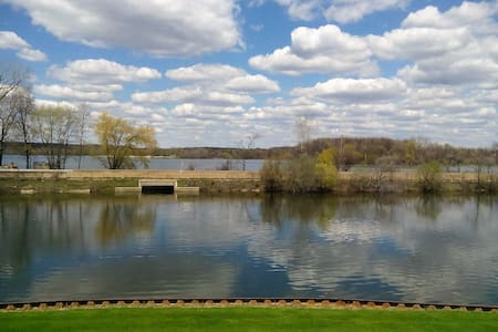Home away from home - White Lake charter Township - Διαμέρισμα