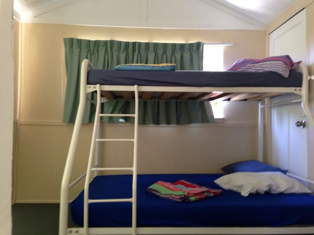 Sun Room, Bunk bed for families - Murarrie - Σπίτι