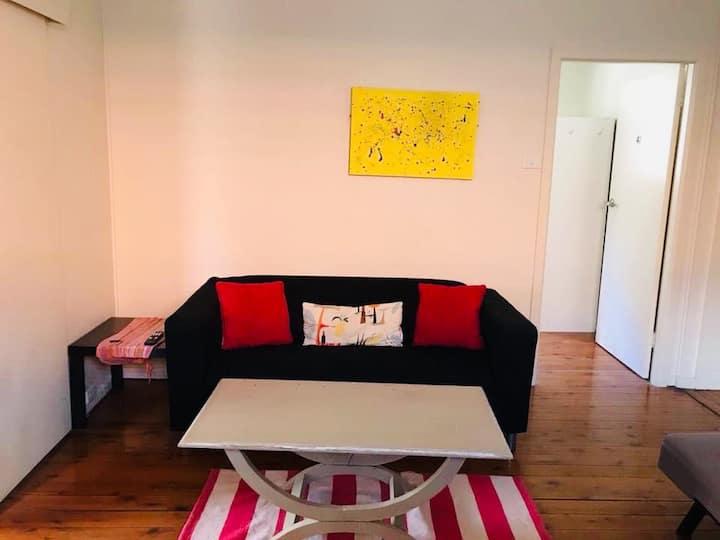 1 bed in a doble room, Bondi Junction area.