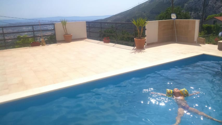 House with swiming pool - Solin - Villa