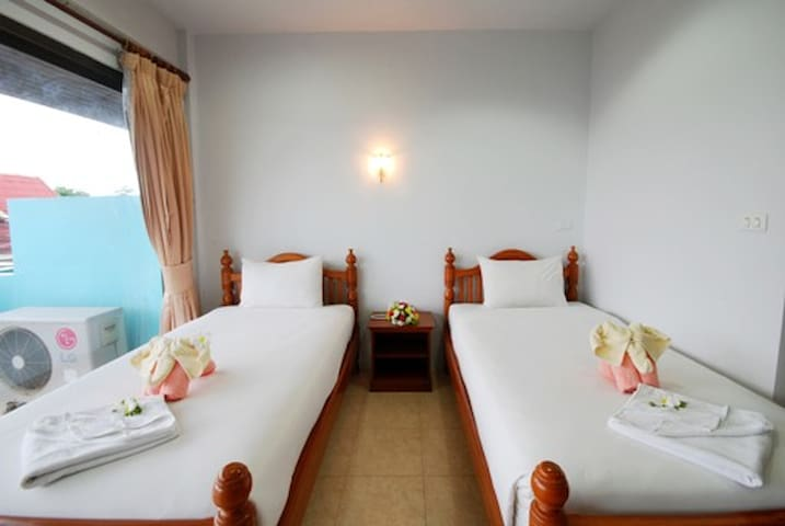 Holiday Guest House Standard twin02