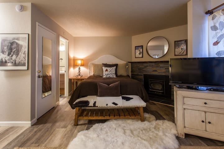 Lovely Studio in Town, Close to everything, Save $ - Mammoth Lakes - Byt