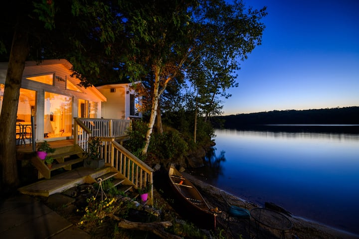 Sleep 13 in 3 cottages sharing gorgeous lakefront