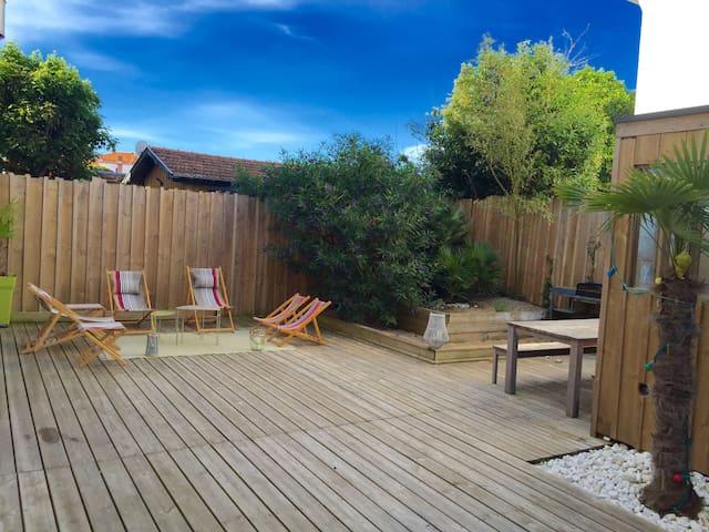 charmant appart 3 ch grande terrasse au soleil appartements louer arcachon aquitaine. Black Bedroom Furniture Sets. Home Design Ideas