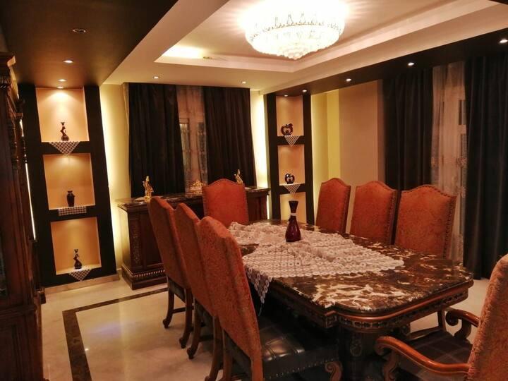 شقه فندقيه رائعه 250م مكيفه بالكامل ومعقمه واي فاي