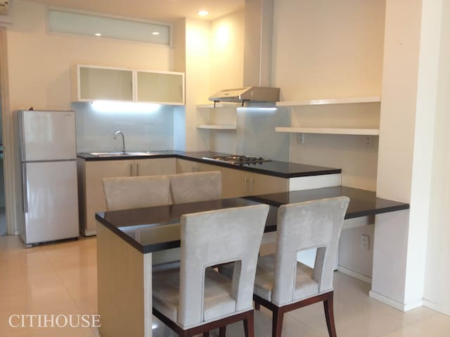 Modern 2BR - A home away from home - Ho Chi Minh - Appartement