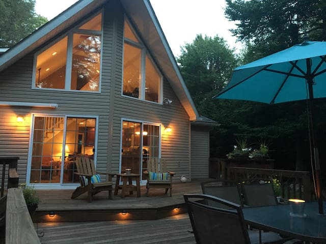 Pocono Mountain Golf and Lake Home - Tobyhanna - Dom