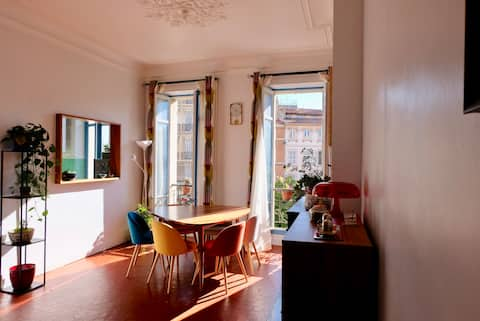 Spacious flat in central artistic Marseille