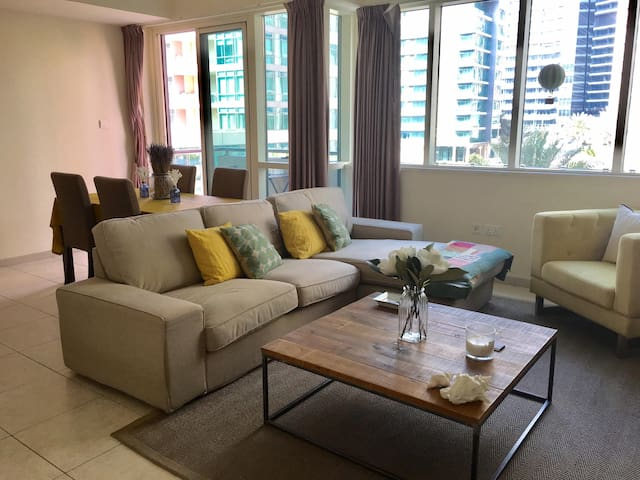 Beautiful furnished apartment in Dubai Marina - Dubaj - Dom