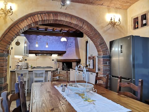 Tuscany Country House Villa Claudia With JACUZZI!