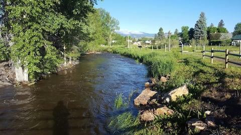 Cottonwood Creek Getaway