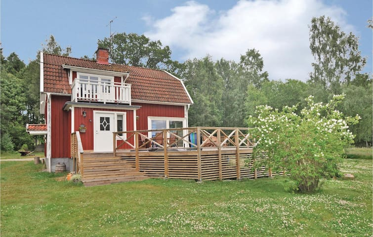 Holiday cottage with 2 bedrooms on 141m² in Torsö