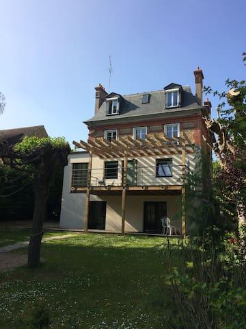 Belle maison grand confort à proximité de Paris - Brunoy - Casa