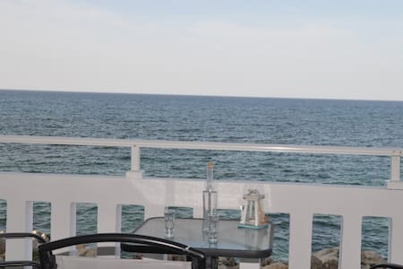 N1 Parianna 7 meters from the sea!! - Καλύβες - Byt