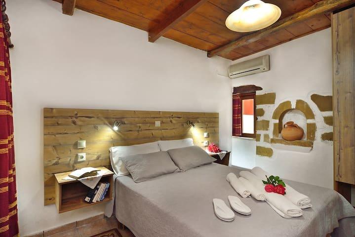 1-bedroom Topolia Villa, sharing pool