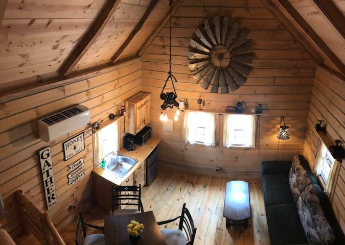 New! Firefly cabin near Warren Dunes State Park